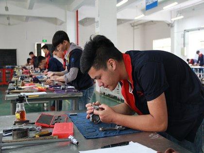 广西商业高级技工学校组织15级学生参加职业技能鉴定考试