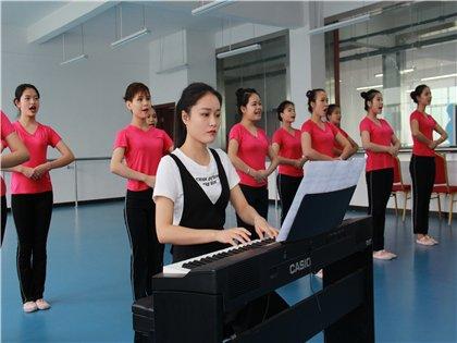 广西商业高级技工学校举行2015级幼儿教育专业园长见面会